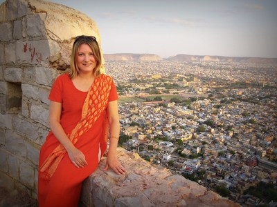 Mariellen Ward at Tiger Fort overlooking Jaipur, Rajasthan, India. (CNW Group/Breathedreamgo)