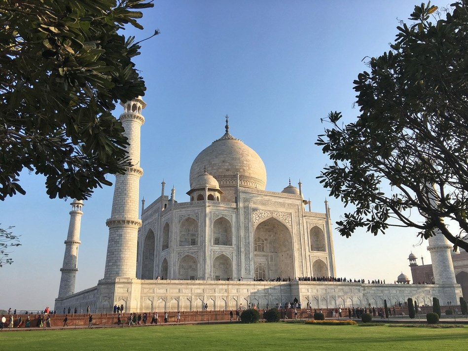 All India for Beginners tours stop at the Taj Mahal. (CNW Group/Breathedreamgo)