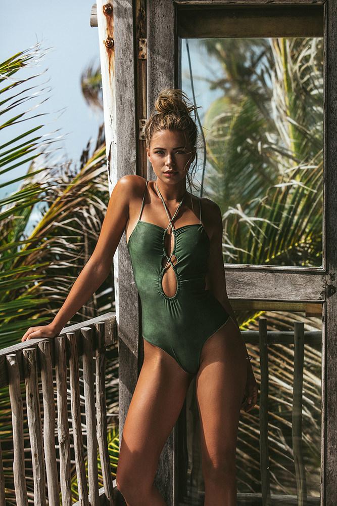 Zara One Piece Swimsuit by Poema (CNW Group/Sun Vixen Swimwear Inc)