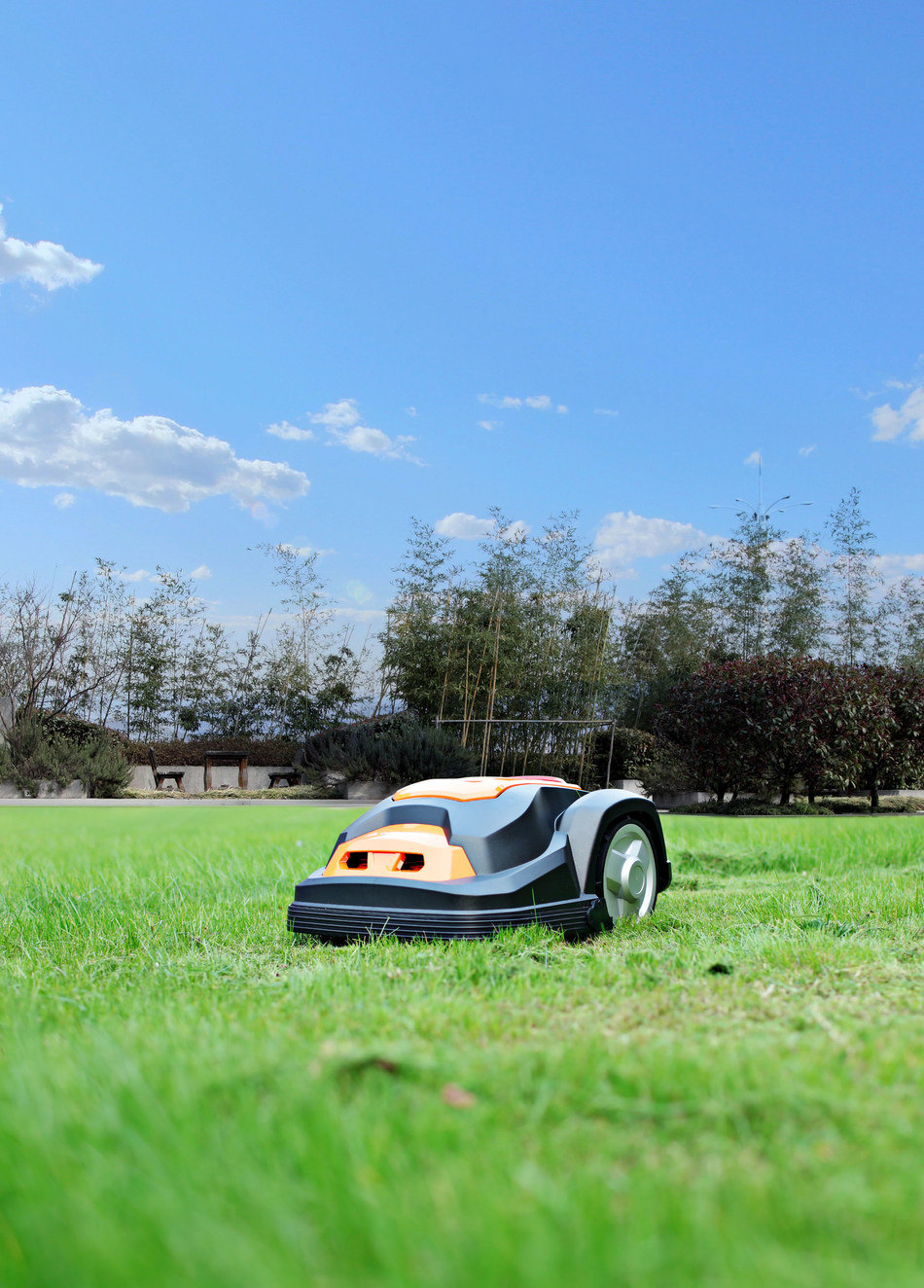 Yard Force Robotic Mowers are widely welcomed and distributed in DIY channel of Western Europe