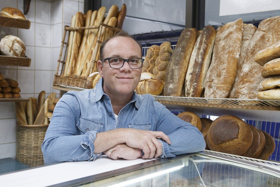 Tom Papa on Food Network's Baked