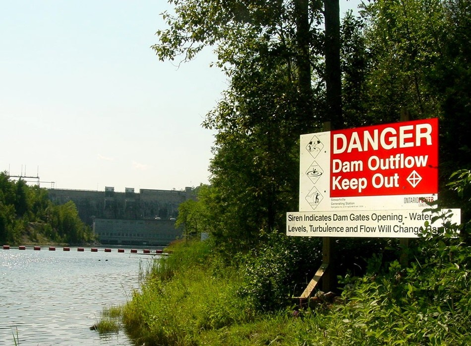 Whether you are boating, swimming or fishing, conditions around our dams and stations can change quickly making them unsafe for recreation (CNW Group/Ontario Power Generation Inc.)