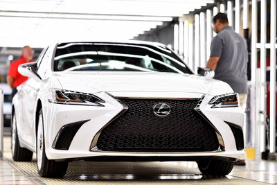 Production of the 2019 Lexus ES 350 started in Georgetown, Ky. in August 2018. The team of more than 800 Lexus-trained Kentuckians will now also build the all-new, coveted F SPORT model, a high-performance division of Lexus vehicles. (PRNewsfoto/Lexus)