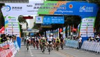 Media and public are watching cyclists competiting in the Tour of Qinghai Lake (Xinhuanet Photo) (PRNewsfoto/Xinhuanet)