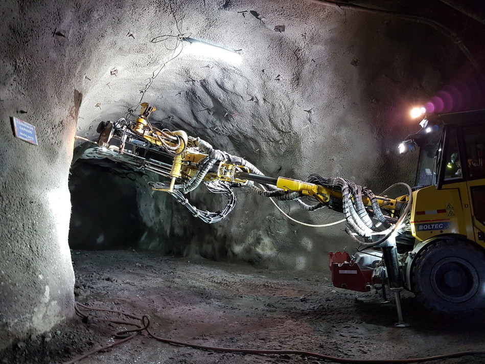 Figure 1. Ground support installation in the K'isa decline (CNW Group/Lundin Gold Inc.)