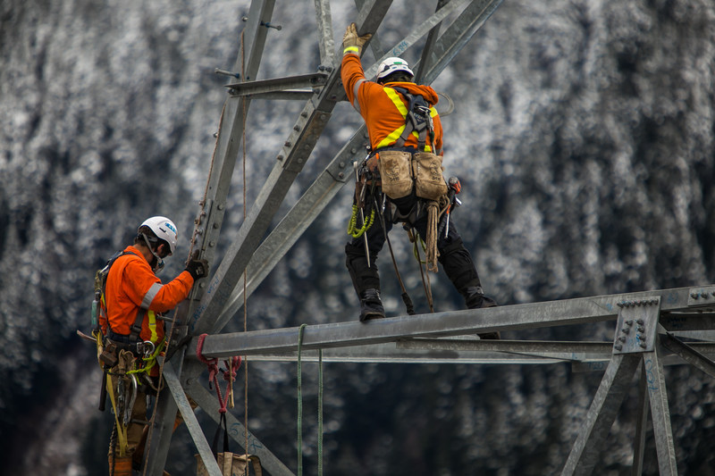 Rokstad Power linemen at work installing the high-voltage Interior-Lower Mainland transmission line, a 247-kilometre-long upgrade to the provincial power grid. (CNW Group/Rokstad Power Ltd.)