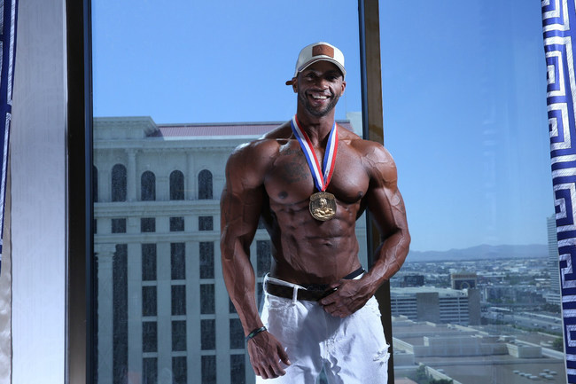 Raymont Edmonds, currently ranked 4th in the world in Men's Physique, makes Mon Ethos Pro his agent and business consultant.