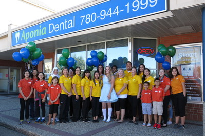 Group Photo Tooth Fairy Day (CNW Group/Aponia Dental)