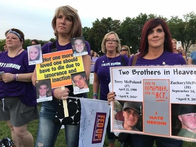 Parents rally against Purdue Pharma at the 2017 Fed UP Coalition march in Washington, D.C.