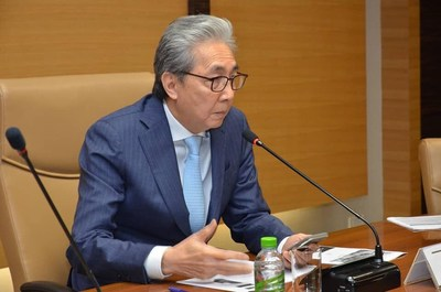Thailand's Deputy Prime Minister Dr. Somkid Jatusripitak met with the heads of 14 overseas offices of Thailand Board of Investment, instructing on investment promotion to emphasize on 3 national agendas - competitiveness, disparity reduction, and sustainability