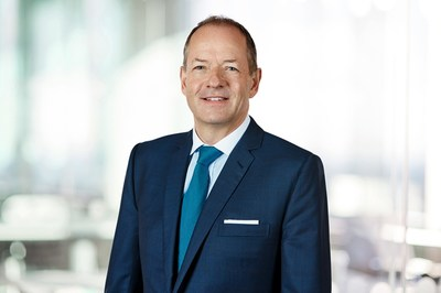 Global healthcare leader Sir Andrew Witty will receive the 2018 Warren Bennis Leadership Award.
