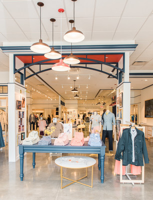 Shoppers in the New York area can find Lands' End's classic apparel for men, women and kids at the new store in Staten Island.