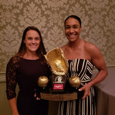 Jade Rhodes accepts the 2018 Rawlings Gold Glove Award for superior defensive performance.