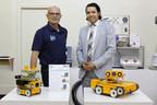 Figurent sur la photo, de gauche à droite : 1- David McDougall, président de Biovac System Inc.; 2- Rachid Abounaij, directeur de portefeuille, Investissement Québec (Groupe CNW/INVESTISSEMENT QUÉBEC)