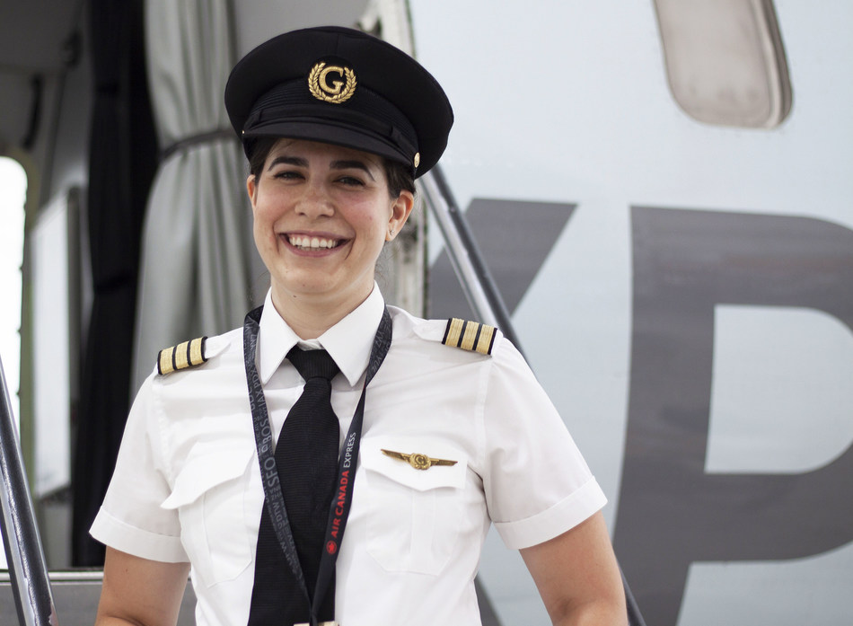 Air Georgian CRJ First Officer Samantha Mincone played hockey growing up, and later found her passion for flying following an Air Georgian initiative educating female hockey players about the similarities between playing hockey and life as a pilot. (CNW Group/Air Georgian Limited)