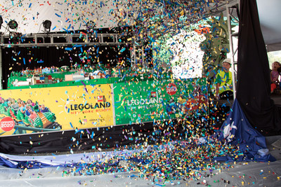 LEGOLAND® New York unveiled a massive LEGO® model of the future theme park using a waterfall of more than 60,000 LEGO® bricks. The Park opens in Goshen, NY in spring 2020.