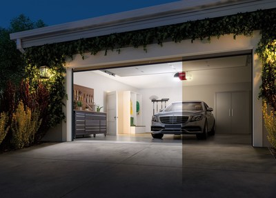 The WLED and Corner to Corner Lighting system provides homeowners with an all-in-one device that combines superior lighting, smart home technology and battery backup to help further maximize the value of their garage.