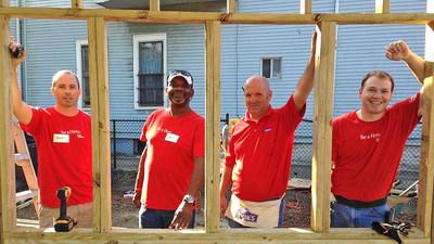 Keep America Beautiful, Lowe's and Lowe's Heroes volunteers team up to improve communities nationwide through the Keep America Beautiful/Lowe's Community Partners Grant Program.