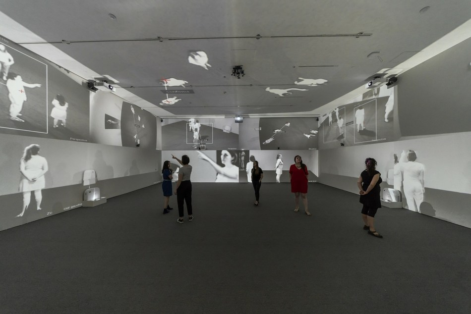 Rafael Lozano-Hemmer (in collaboration with Krzysztof Wodiczko), Zoom Pavilion, 2015. Projections, infrared cameras, infrared illuminators, speakers, computer, custom-made electronics and software Courtesy of the artists and bitforms gallery © Rafael Lozano-Hemmer / SODRAC, Montréal / VEGAP, Madrid (2018) (CNW Group/Musée d'art contemporain de Montréal)