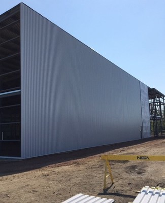 Roof and walls nearing completion at Tricho-Med's Canton facility in Brownsburg, Quebec, August 2018 (CNW Group/LGC Capital Ltd)
