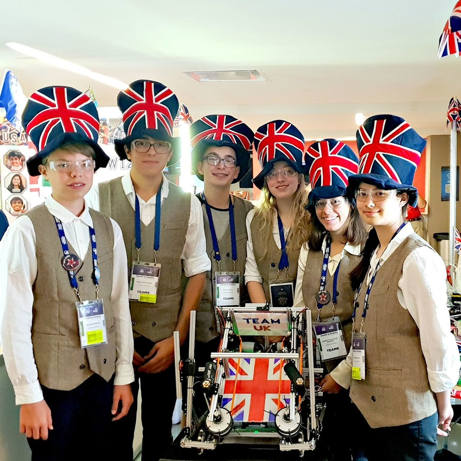 Team UK students in Mexico (l-r): Patrick Jordan, Omar Ben-Gacem, Dom Alberts, Ashleigh Rudesill, Zarina Choudhari-Stewart and Mackensie Kim. (PRNewsfoto/FIRST Tech Challenge)