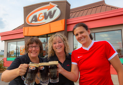 A&W Canada and the MS Society of Canada teamed up with Christine Sinclair for the 10th Burgers to Beat MS campaign. Burgers to Beat MS raised $1.9 million for those affected by multiple sclerosis. Pictured here: Susan Senecal, President and CEO, A&W Food Services of Canada Inc., Pamela Valentine, President and CEO, MS Society of Canada and Christine Sinclair, two-time Olympic bronze medalist, Canadian women's national soccer team captain and Burgers to Beat MS spokesperson. (CNW Group/A&W Food Services of Canada Inc.)