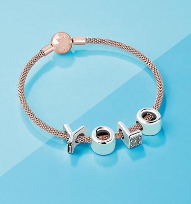 Alphabet Collection (CNW Group/Pandora Jewelry, Inc.)