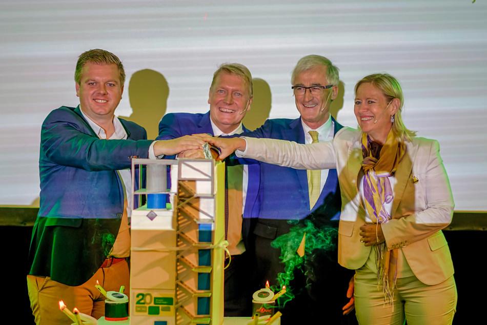 Inauguration of the newly upgraded Cargill refinery in Izegem, Belgium.  L-r: Bert Maertens (Mayor of Izegem) , Cis Vandoninck (General Manager Cargill Belgium), Geert Bourgeois (Minister-President of the Flemish government)  and Sabine Sagaert (Managing Director Cargill Oils & Seeds EMEA). (PRNewsfoto/Cargill)