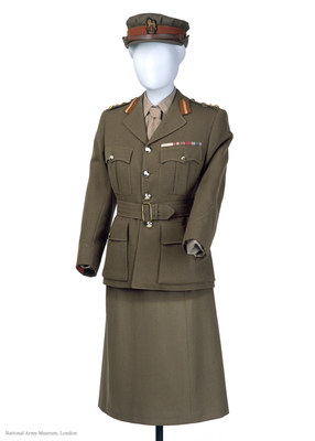 Queen Elizabeth II's Uniform (PRNewsfoto/Hawes & Curtis)