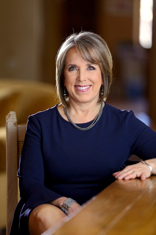 The American Federation of Government Employees, the largest union representing federal and D.C. government workers, has endorsed Michelle Lujan Grisham as New Mexico's next governor.
