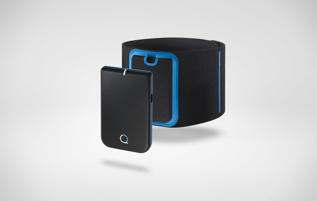 Quell 2.0 Wearable Pain Relief Technology. (PRNewsfoto/NeuroMetrix Inc.)