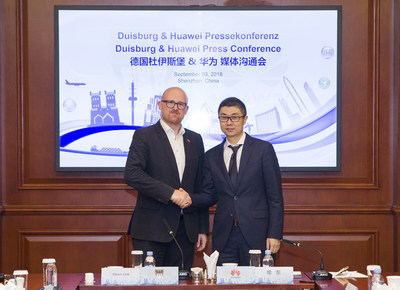 Sören Link, Mayor of Duisburg, Germany & Yu Dong, President of Industry Marketing and Solution Department of Huawei Enterprise BG