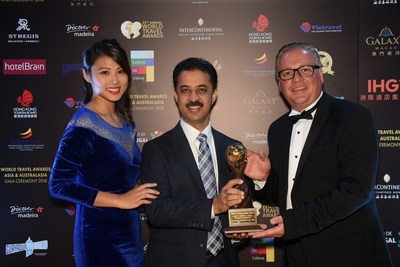Rajnish Sabharwal, COO, The Ultimate Travelling Camp, receiving the award for winning the cat