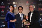 Rajnish Sabharwal, COO, The Ultimate Travelling Camp, receiving the award for winning the category of Asia's Leading Luxury Camping Company from Chris Frost, Vice President, World Travel Award. (PRNewsfoto/The Ultimate Travelling Camp)