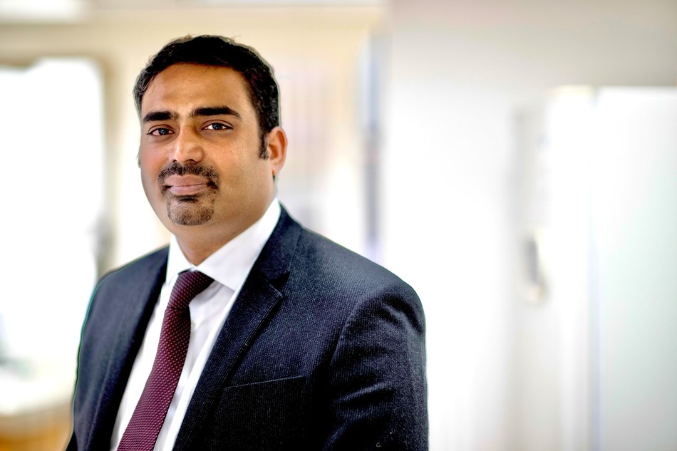 """Dr. Vamsidhar """"Vamsi"""" Velcheti is the new Director of the Thoracic Medical Oncology Program at NYU Langone's Perlmutter Cancer Center."""