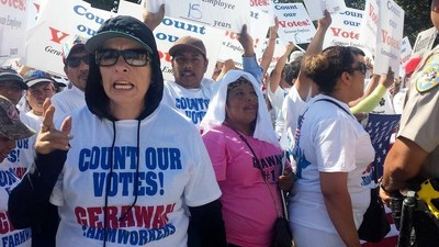 Massive Protest By Thousands of Gerawan Farmworkers Outside of ALRB Office in Visalia