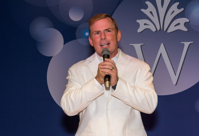 America's Got Talent finalist and celebrity comedian Tom Cotter electrifies audiences with his quick witted humor at the 2018 Watercrest White Party.