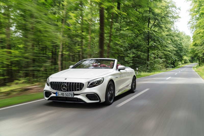 In the passenger car segment, the S-Class family saw steady growth (+3.2%), which was bolstered by demand for the S-Class Sedan (+14.8%) and Cabriolet (+14.3%). (CNW Group/Mercedes-Benz Canada Inc.)