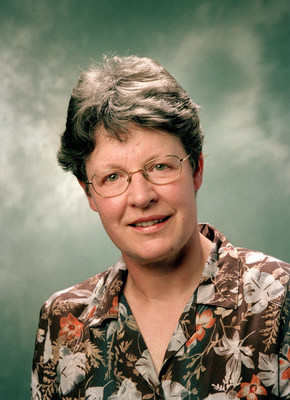 发现脉冲星的天文物理学家乔瑟琳-贝尔荣获基础物理学特别突破奖