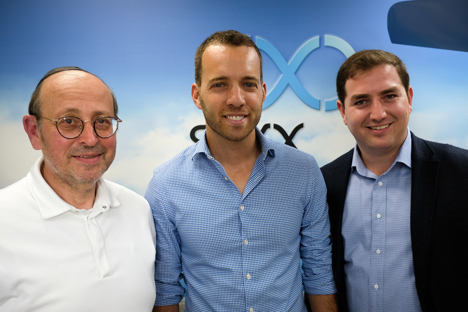 SkyX, the Canadian leader in long-range unmanned aerial monitoring and data collection,  today announced that the company has closed $9.5 million USD in Series B funding from The Almond Tree/SkyX Limited Partnership. L-R: Mark Mandelbaum, President and CEO, Almond Tree Enterprise Inc., Didi Horn, Founder/CEO, SkyX and Noam Edell, President, Clanton Capital Inc. (CNW Group/SkyX)