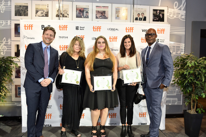 From L to R: CMPA President and CEO Reynolds Mastin, Established Producer Award co-winner Simone Urdl, Kevin Tierney Emerging Producer Award winner Caitlin Grabham, Established Producer Award co-winner Jennifer Weiss, TIFF's Artistic Director Cameron Bailey. (CNW Group/Canadian Media Producers Association (CMPA))