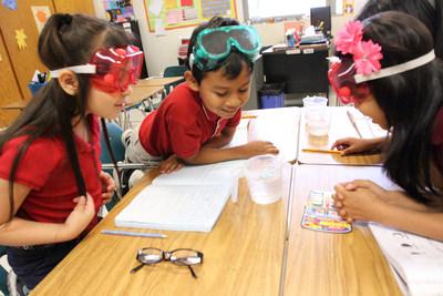 El Distrito Escolar Independiente de Dallas (Dallas ISD), la Toyota USA Foundation y SMU se han unido para colaborar en la creación de una escuela nueva e innovadora enfocada en STEM (Ciencias, Tecnología, Ingeniería y Matemáticas) en el oeste de Dallas.