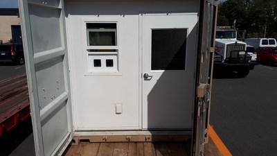 Vue de l'extérieur : Véhicule transporteur de clones développé par BC Northern Lights (Groupe CNW/Aurora Cannabis Inc.)