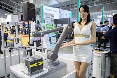 Techman Robot New Products TM12, TM14 Debut in iMTS 2018