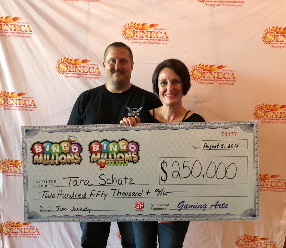 Lucky Tara from Pennsylvania receiving her BIG $250,000 check from Gaming Arts