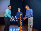 Shri Govind Dholakia, Chairman SRKKF, Shri Kartikeya Sarabhai, Director CEE and Shri M. Thennarasan, Hon, Commissioner, SMC lighting the lamp of knowledge (PRNewsfoto/SRKKF)