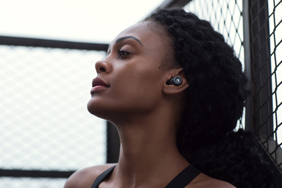 Coming with a streamlined and ergonomic design, Crazybaby Air 1S aims to offer a comfortable fit, supreme acoustics, and reliable Bluetooth connection for athletes.