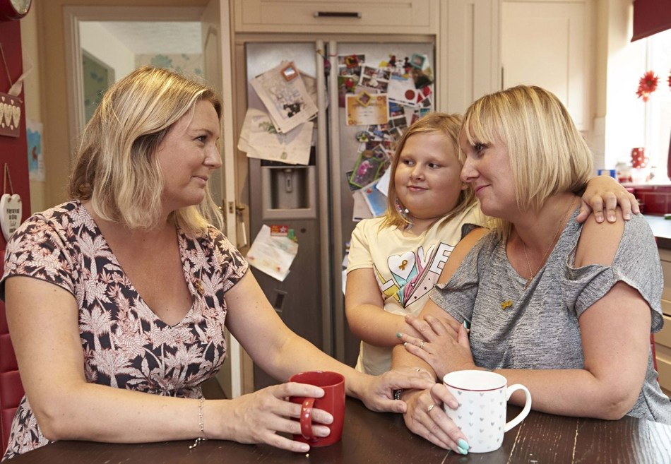 L-R Claire Shinfield of CCLG with Jane Icke and daughter Alice Icke, 8 of Nottingham. (PRNewsfoto/CCLG)