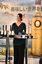 Teresa Pérez, Manager of Olive Oils from Spain during the tasting of olive oil. (PRNewsfoto/Olive Oil World Tour)