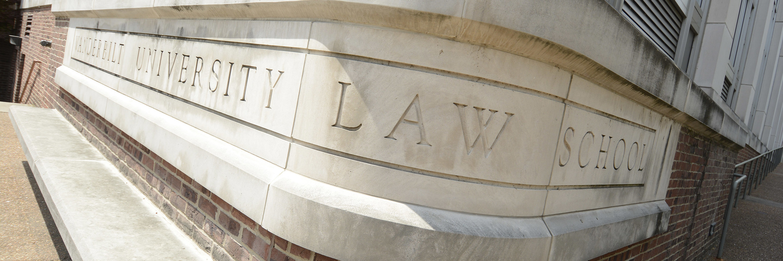 Vanderbilt Law School Launches Online Legal Education Program for